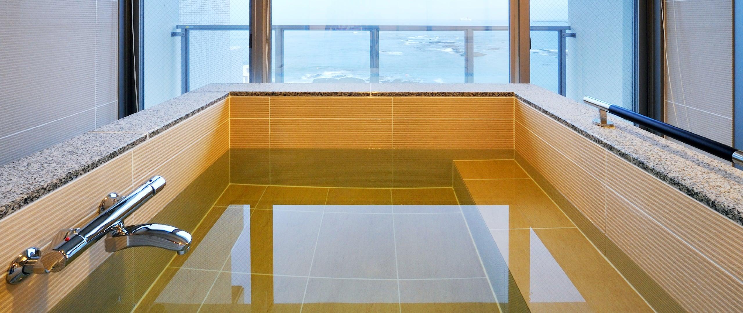 大きな浴槽